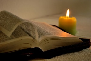 bible and candle -2890857_1920